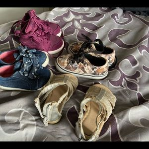 Nike Shoes - Size 4 toddler girl shoes